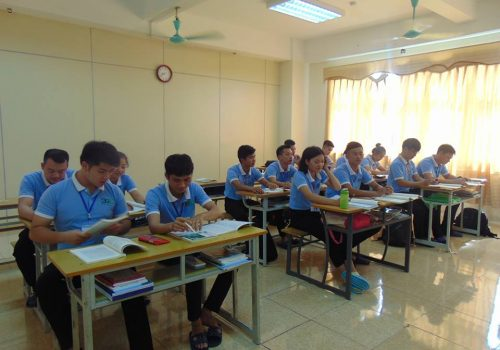 KHAI-GIANG-LOP-HOC-TIENG-NHAT-N5-TAI-THANH-HOA