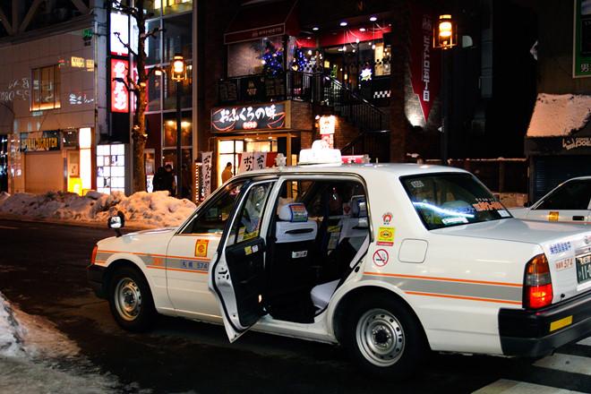 cua-sau-taxi-tu-dong-mo-10-dieu-thu-vi-chi-co-tai-nhat-ban