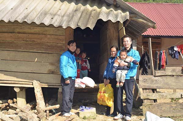 thap-sang-nu-cuoi-vung-cao-tai-3